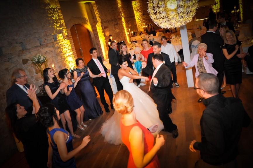Hochzeit Feier 226459 866x576 - FEIER