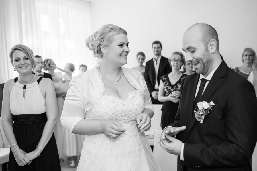 Hochzeit Trauung  228025 902x600 - Hochzeitsfotografie