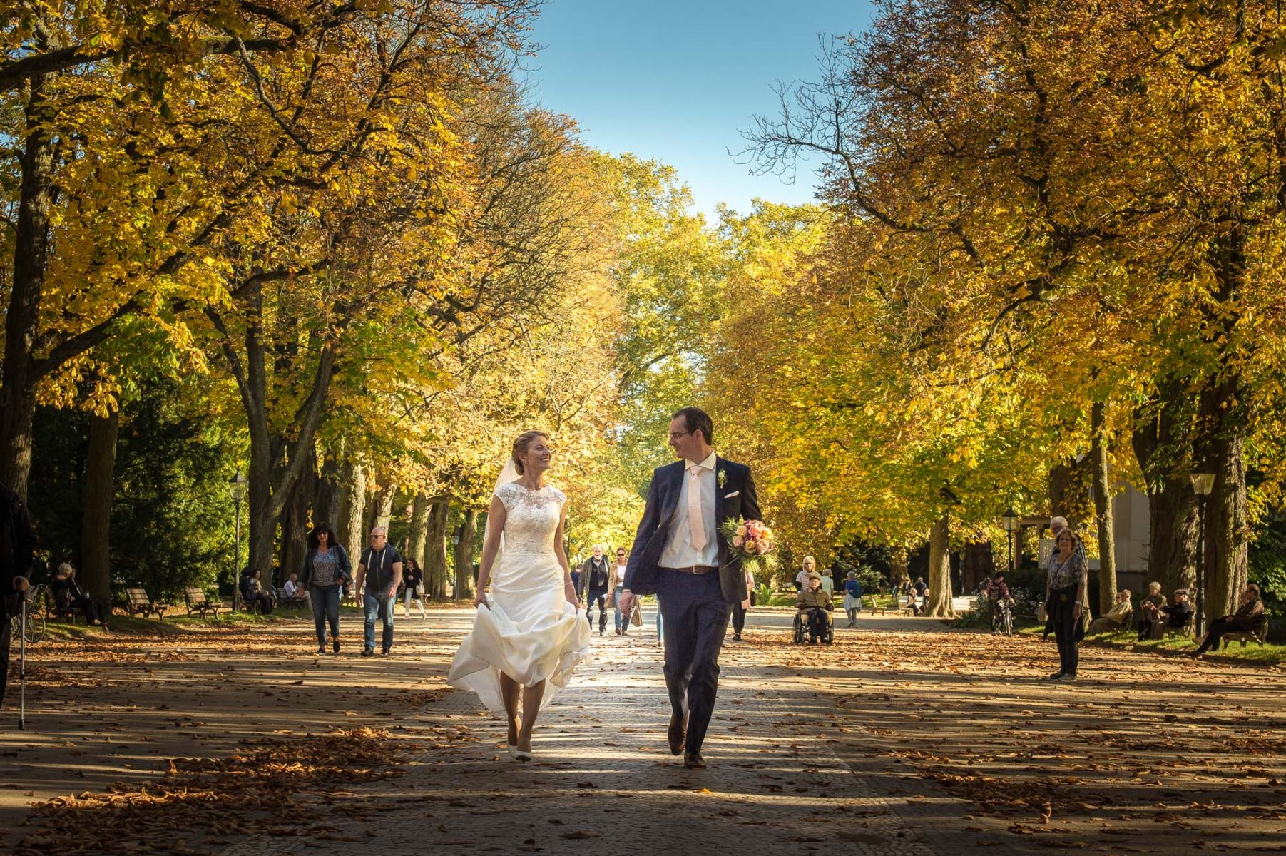 Hochzeiten B2000 6383 1803x1200 - ZWEISAM