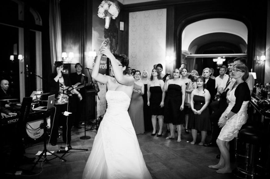 amatustra Feier 229372 866x576 - Hochzeitsfotografie