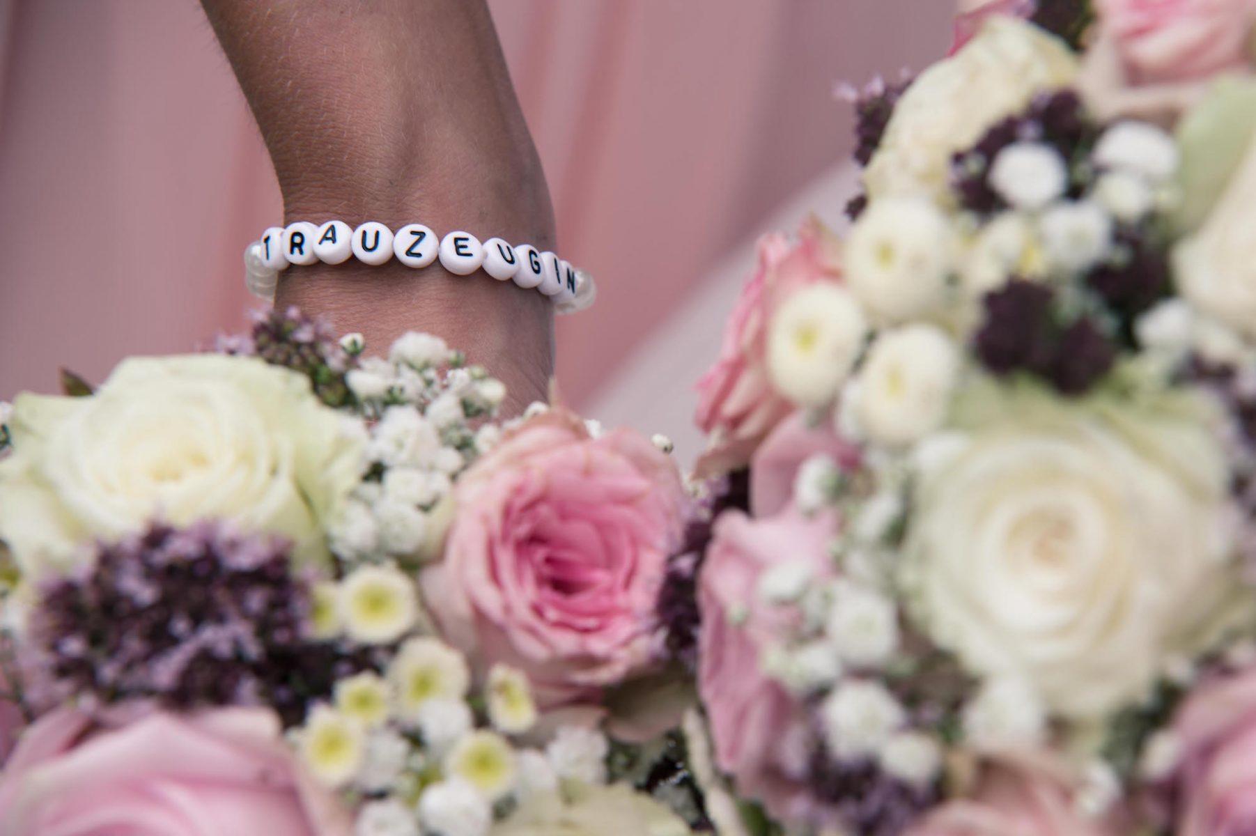 amatustra Hochzeit Detail B2000 7029 1803x1200 - DETAILS